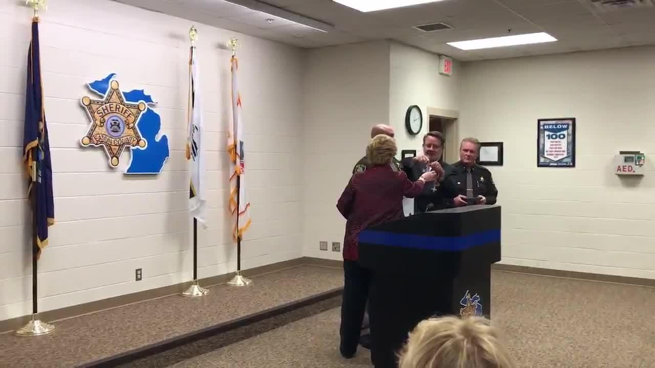 Deptuy Andrew Jenkins receives Congressional Medal of Bravery after pulling a family out of a fire in 2016.