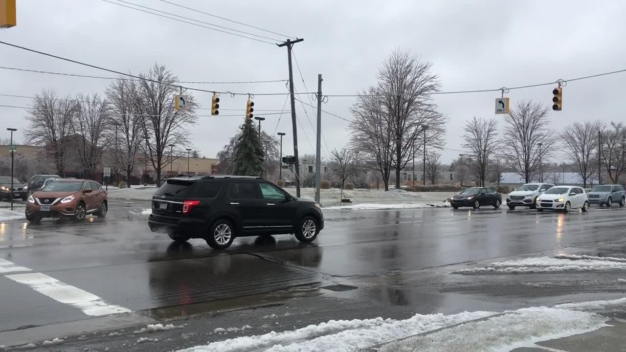 Power outage takes out traffic light in East Lansing.