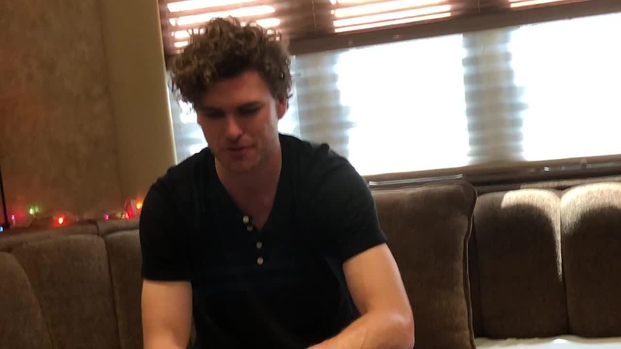 Vance Joy told The Desert Sun what it was like touring with Taylor Swift and what he learned.