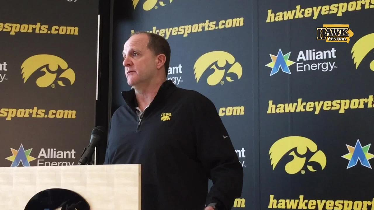 Iowa defensive coordinator Phil Parker describes the ability of Amani Jones at middle linebacker, and how his group is communicating.
