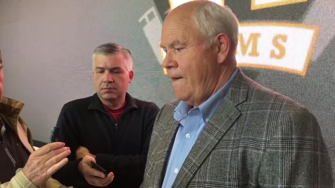 Tennessee Vols AD Phillip Fulmer says a four-year contract is 'about the right time.'