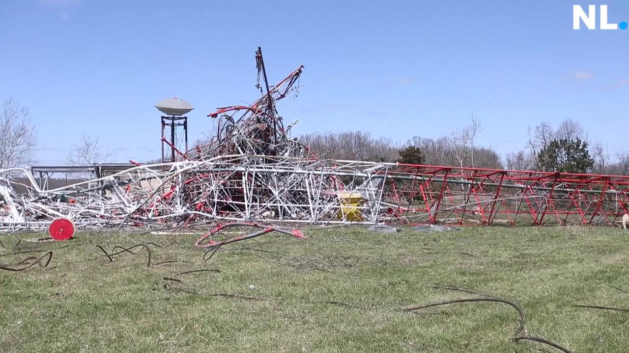 A collection of video pans from the ground at the scene of a TV tower collapse near Fordland.