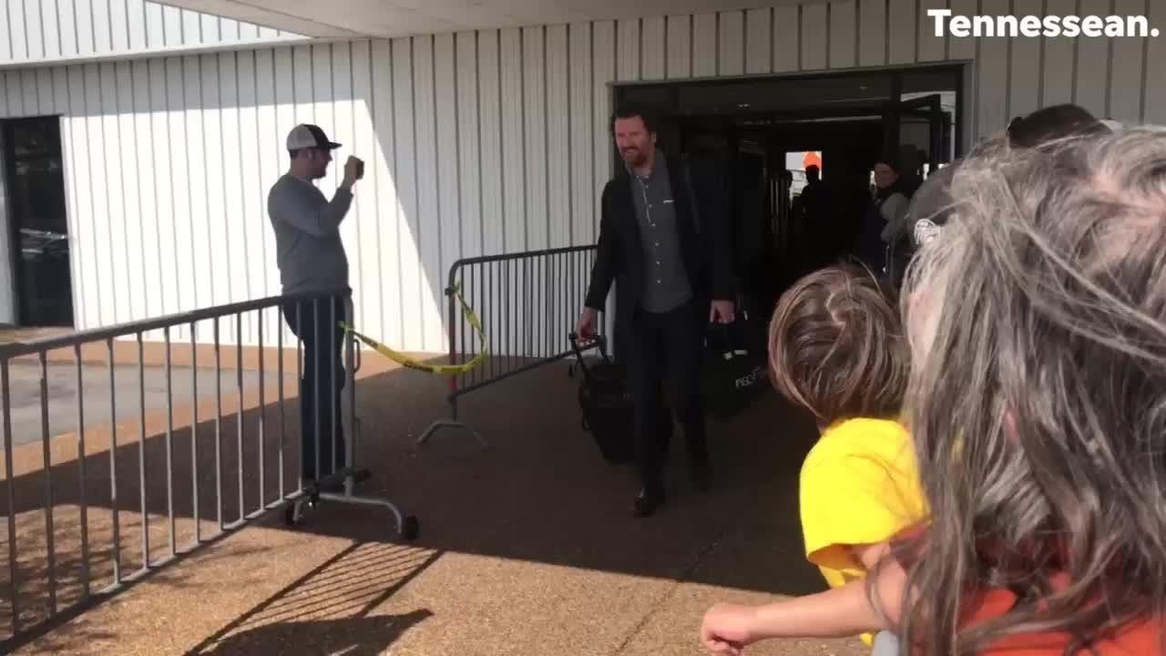 Predators arrive back in Nashville for game 5