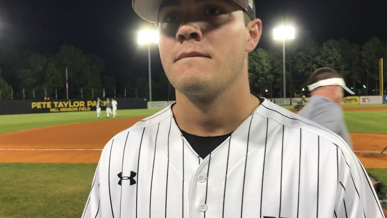 Southern Miss junior improved to 4-1 Friday.