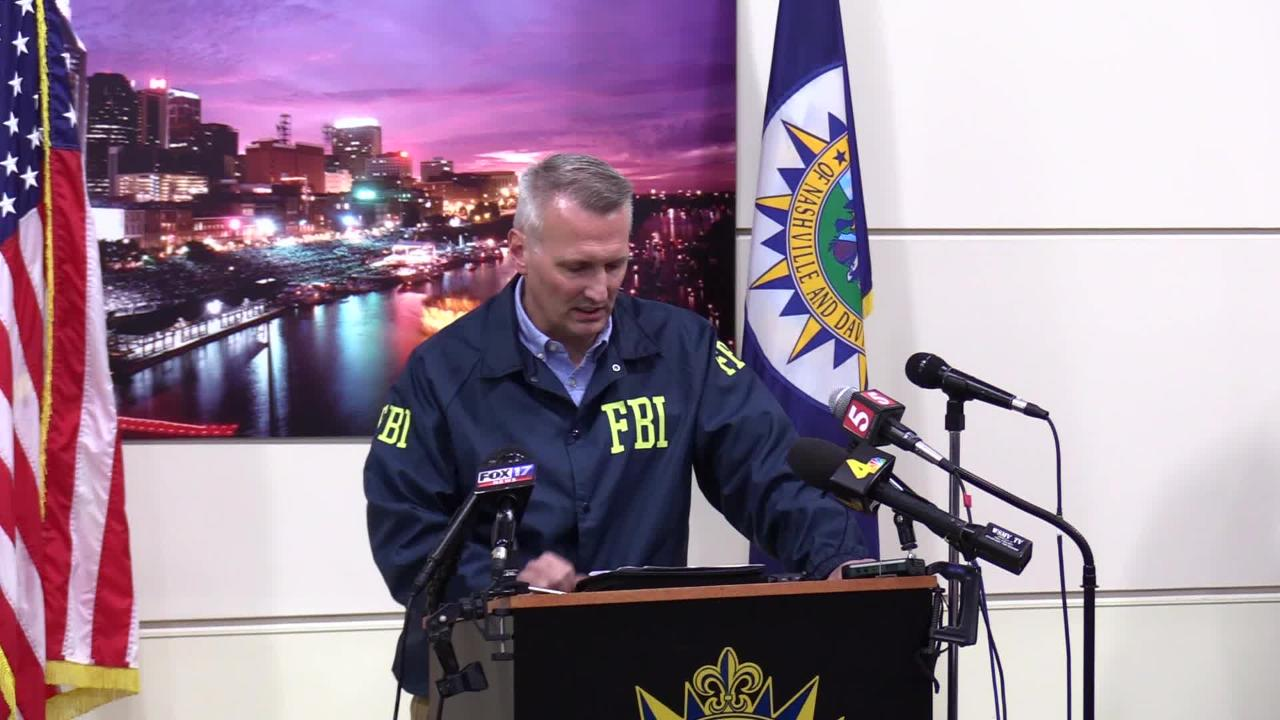 """Matt Espenshade, a FBI agent located in Nashville, thanks James Shaw Jr. for """"taking a personal oath"""" to protect his community during Sunday morning's shooting at a Waffle House in Antioch."""