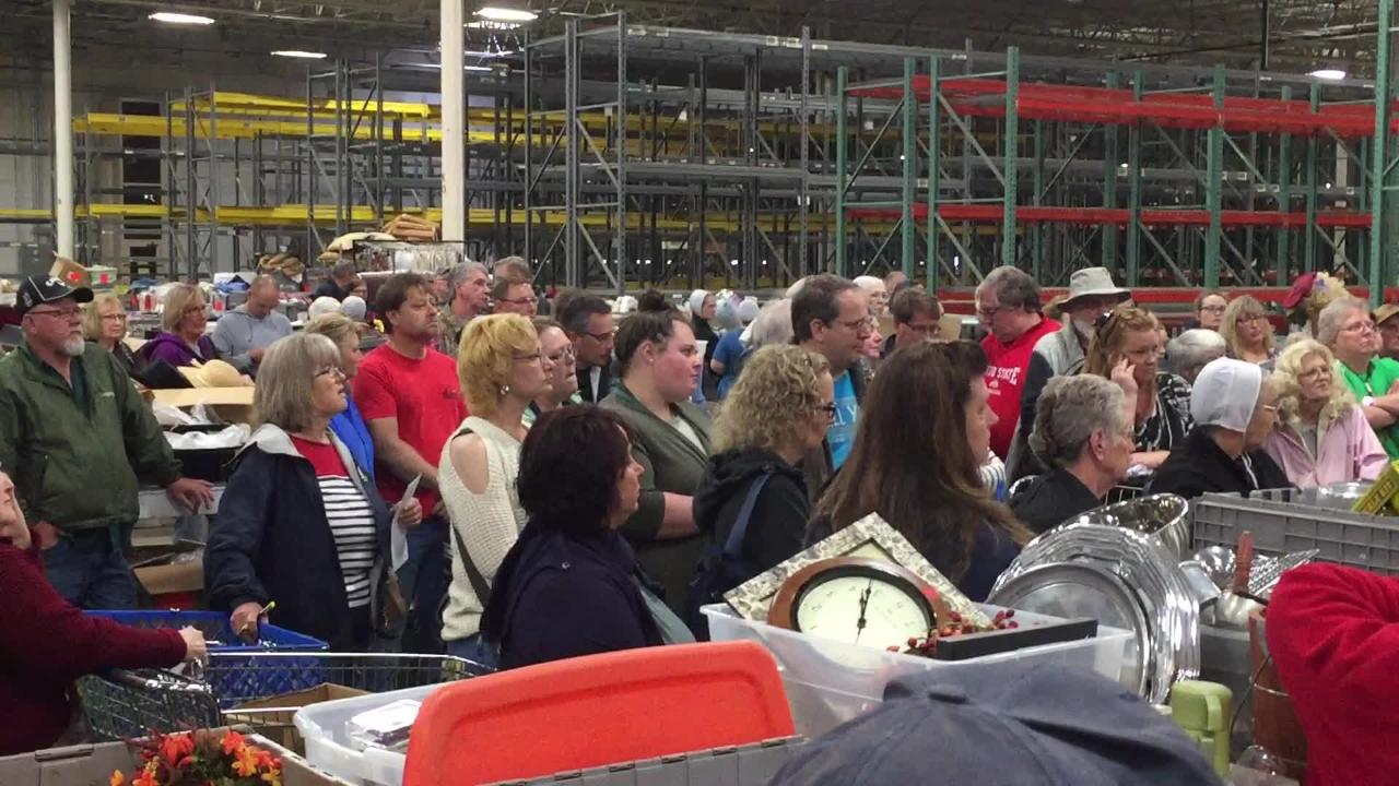 About 450 people, most former Longaberger employees, showed up Tuesday for the Longaberger Company's liquidation action.