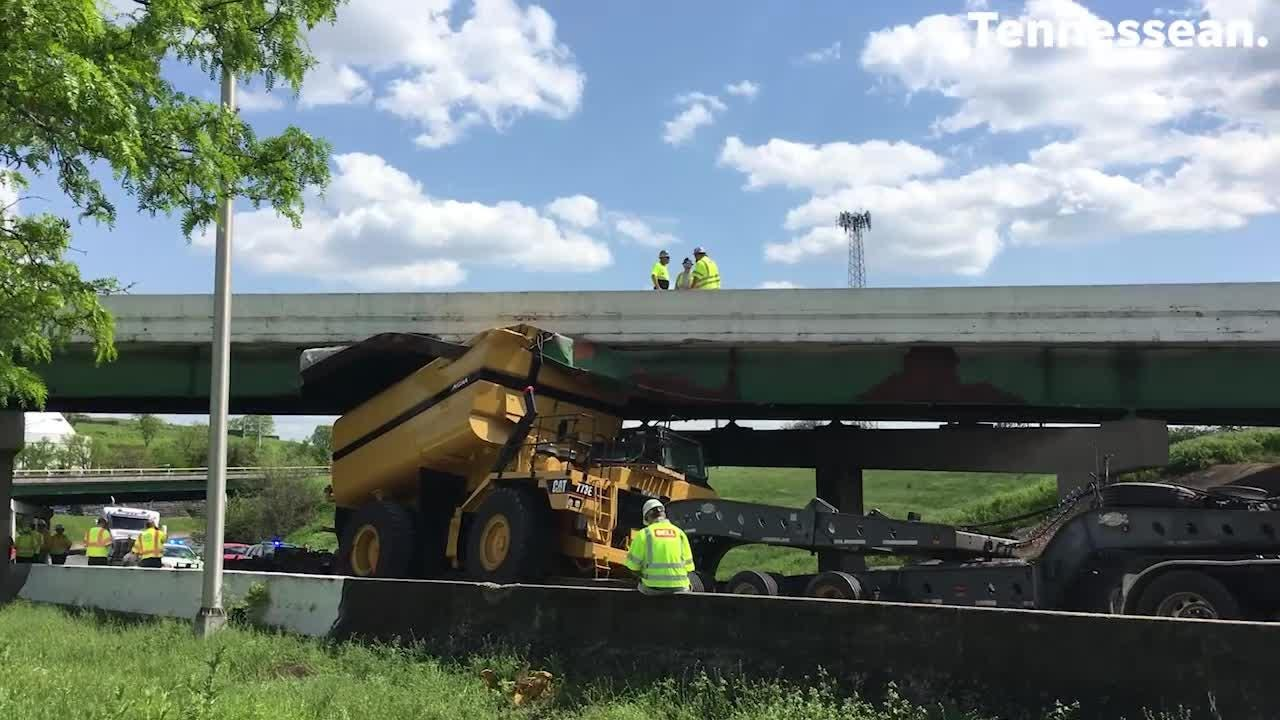 I-40 east, I-65 north ramp closed in downtown Nashville: Truck wedged under  overpass