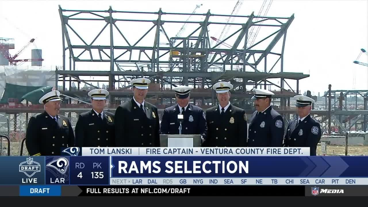 Watch captain Tom Lanski and six of his fellow Ventura County firefighters announce the Los Angeles Rams' 135th selection of the 2018 NFL Draft.