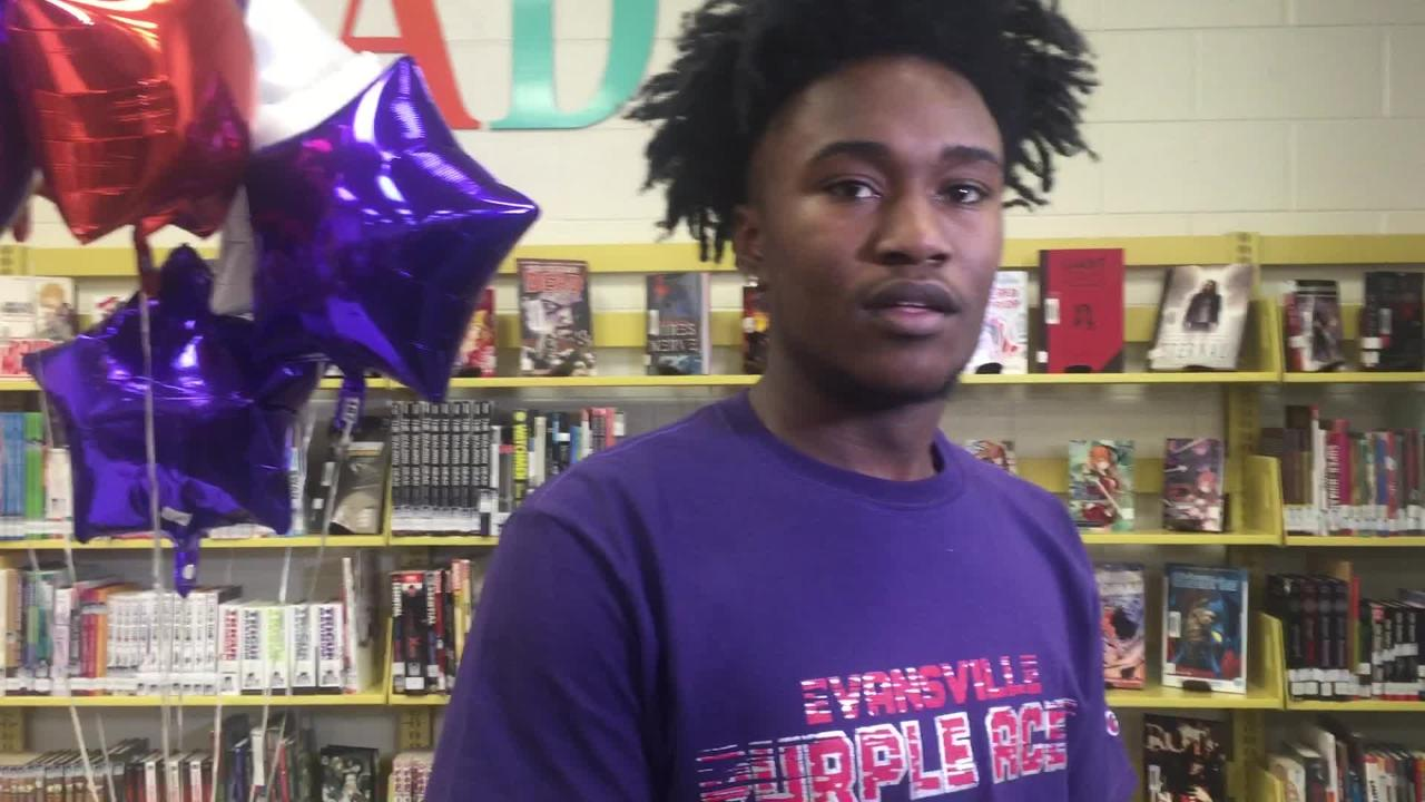 El Paso All-City MVP Jawaun Newton will play college basketball for the University of Evansville. He officially signed his letter this past week.