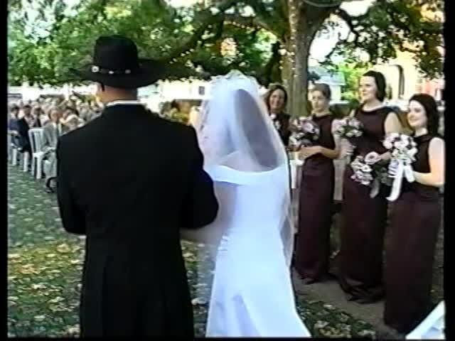 Lana and Evan Edmondson got married in 2002, and they endured an indescribable battle. Here is a look at  their wedding.