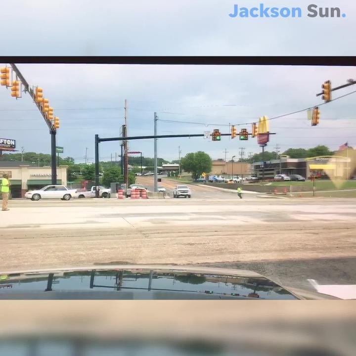 U-turn Closed, Left Turn Available