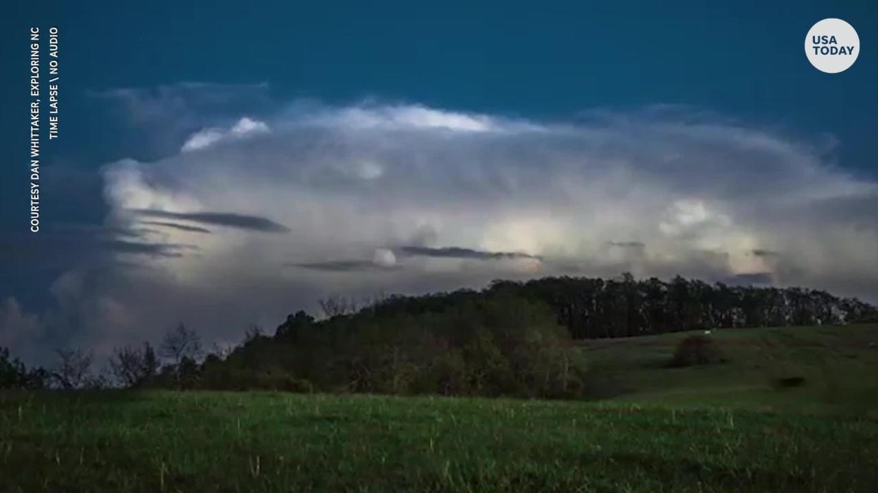 A photographer caught these beautiful images of meteors and shooting stars near Floyd, Virginia.