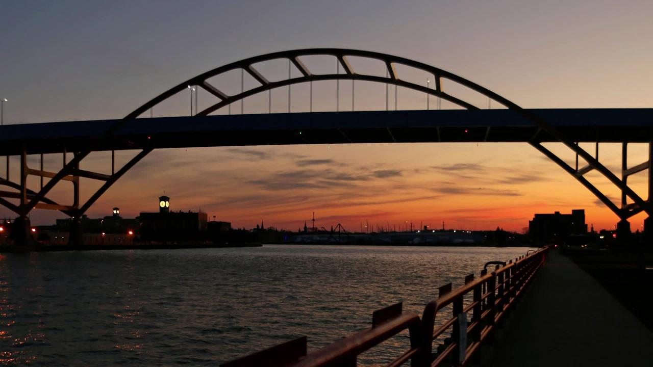 Reporter Jim Nelson talks about an effort to install lights on the Hoan Bridge.