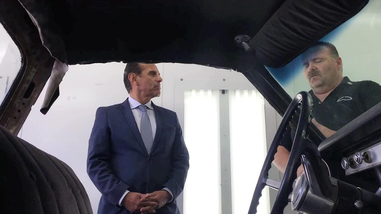 California gubernatorial candidate Antonio Villaraigosa explores job skills programs during a campaign visit to Oxnard College on Monday.