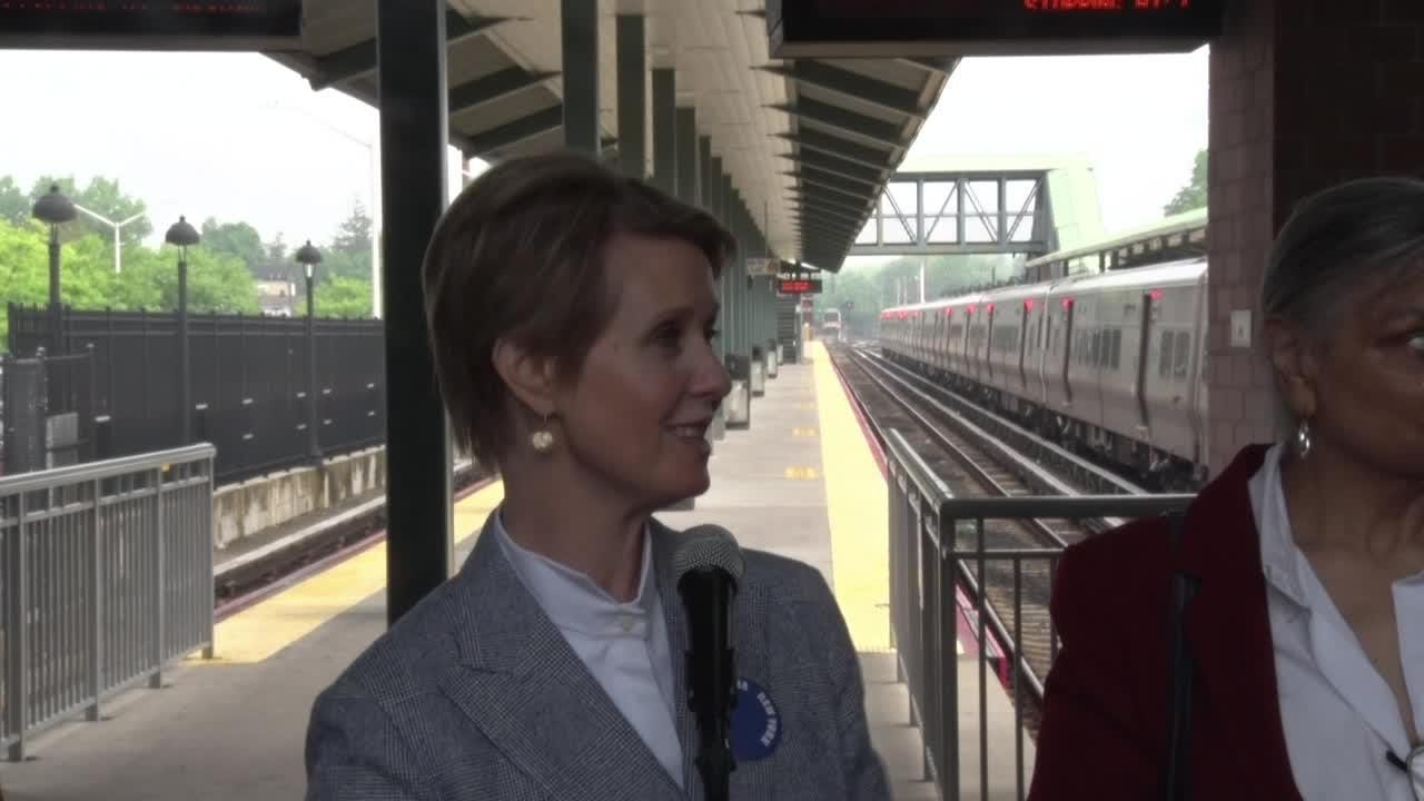 Cynthia Nixon, a Democratic candidate for governor, greeted commuters on Long Island on May 23, 2018, and then attended some of the Democratic convention.