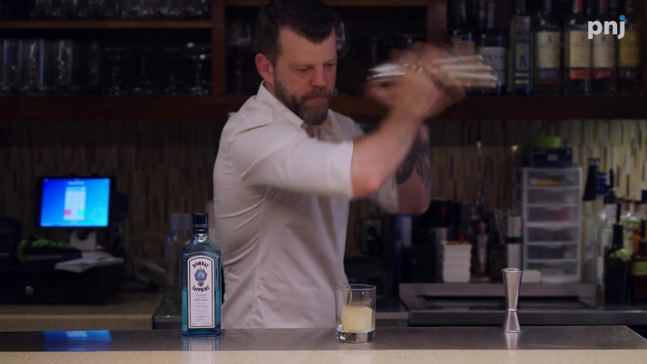 Jeff Knott, Restaurant IRON's mixologist, shows us how to make the Re-Roll.