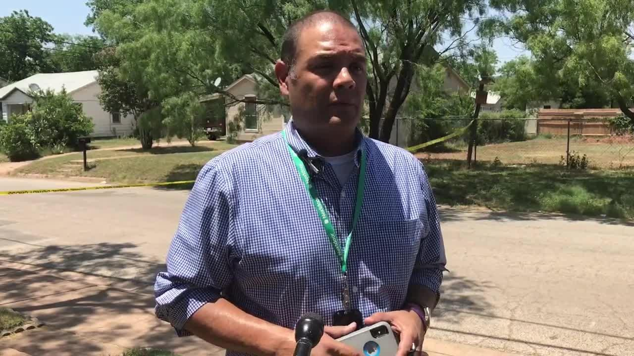 Rick Tomlin of the Abilene Police Department updates the media on the shooting in the afternoon of Friday, June 1, 2018.