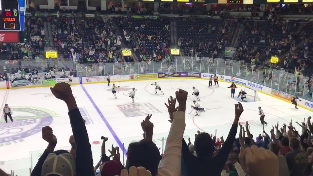 Everblades' Gus Kelly scored in overtime to help the Everblades defeat Colorado 7-6 and tie the Kelly Cup Final at two games a piece.