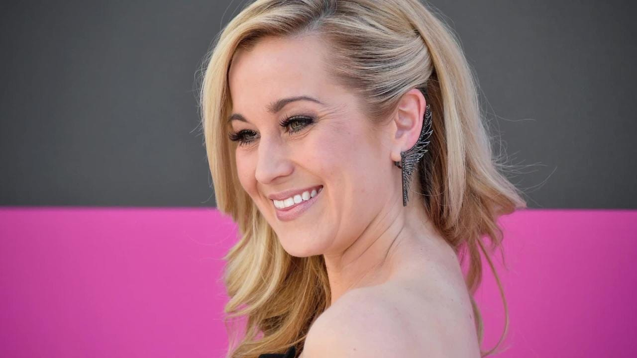 Country singer kellie pickler to perform concert in bonita springs country singer actress kellie pickler to perform in bonita springs m4hsunfo