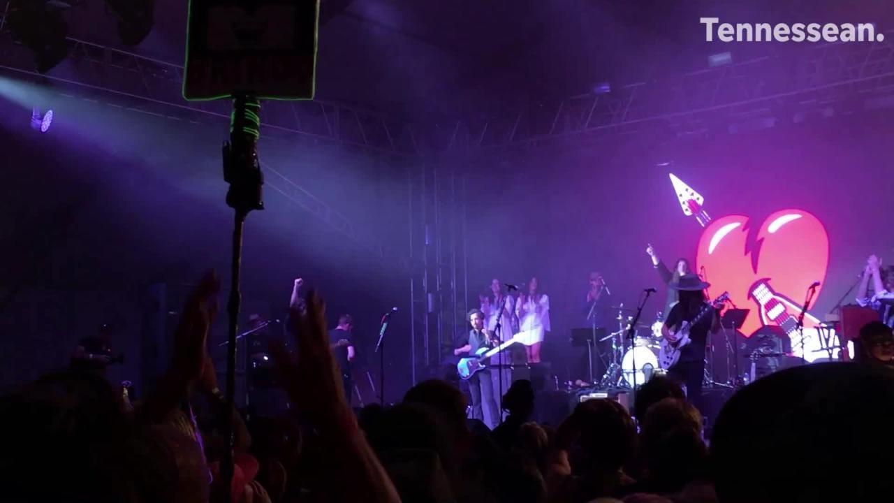Skip to main content Bonnaroo's Superjam honors Tom Petty