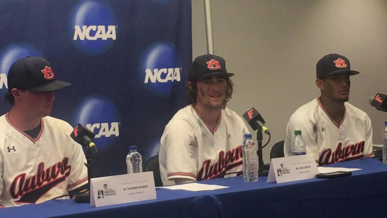 Auburn players after 3-2 win vs. Florida in Game 2 of the Gainesville Super Regional.