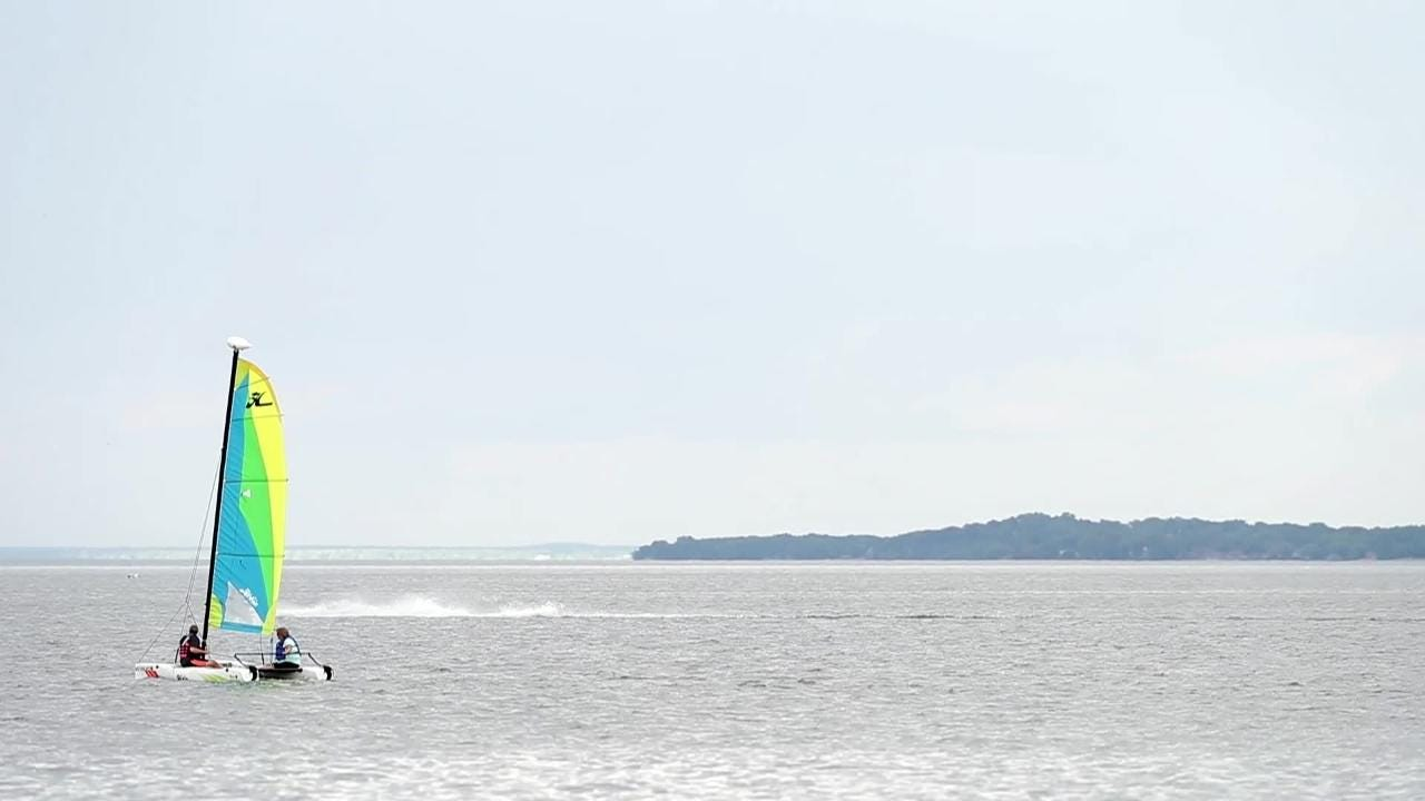 Sailing classes get people out on Green Bay