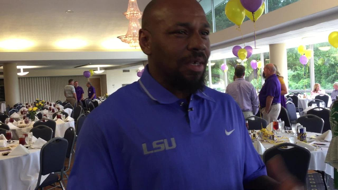 LSU's Kevin Faulk speaks in Shreveport