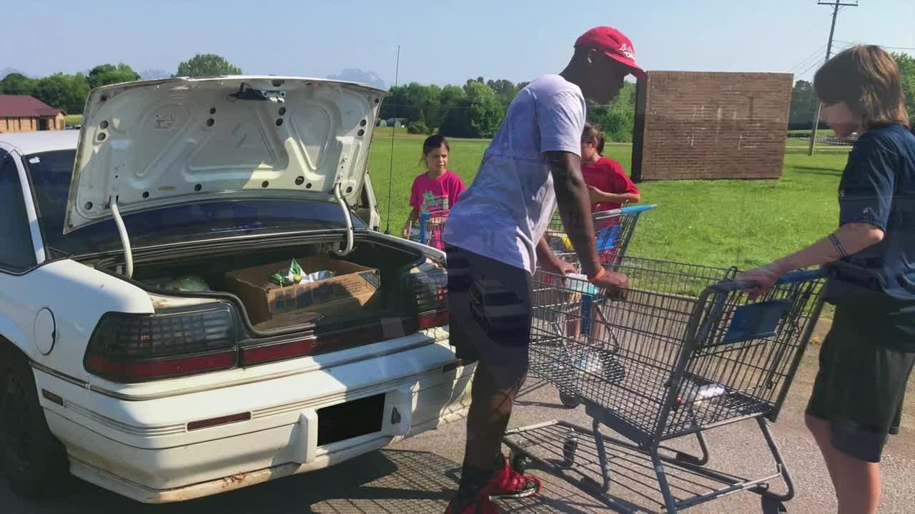 Fairview neighbors help needy at Mobile Food Pantry
