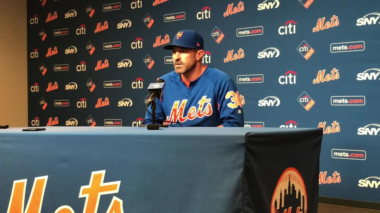 Manager Mickey Callaway reacts to GM Sandy Alderson's decree that the Mets are unlikely to trade away ace right-handed Jacob deGrom.