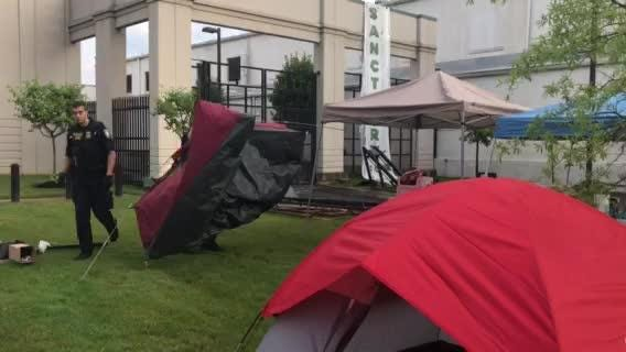 RAW VIDEO: Feds tear down ICE protesters' tent