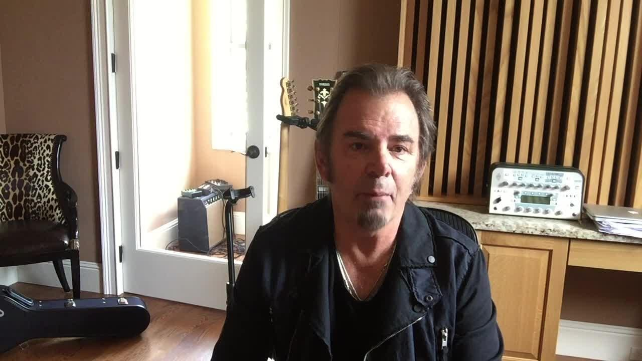 """Journey's Jonathan Cain thinks of horses and great restaurants when someone says """"Louisville."""" He's playing in town with Def Leppard soon."""