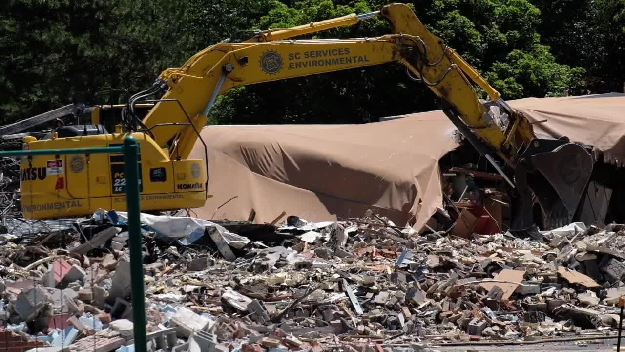 Demolition of Glencairn Elementary in East Lansing