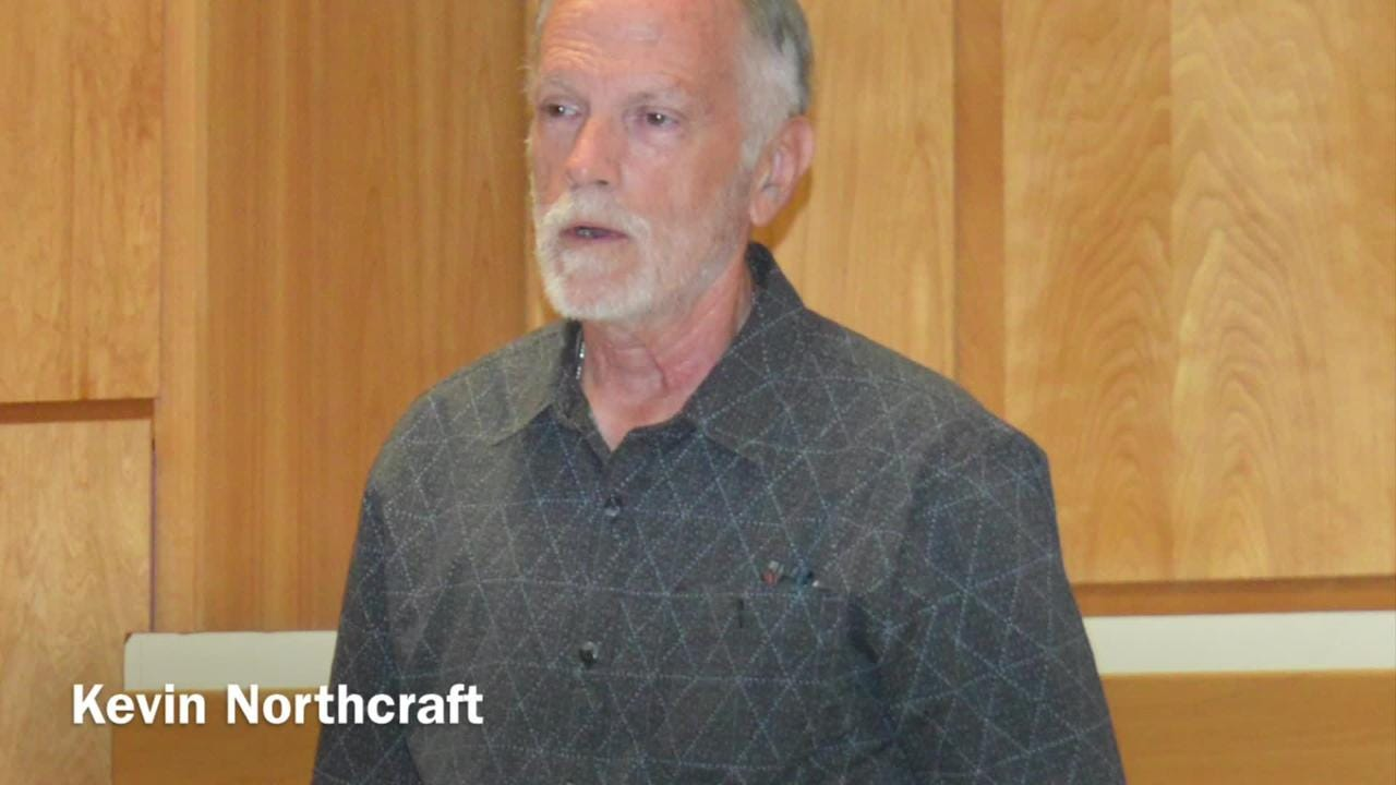 Kevin Northcraft, Tulare hospital board president, wants sale of da Vinci machine to be delayed