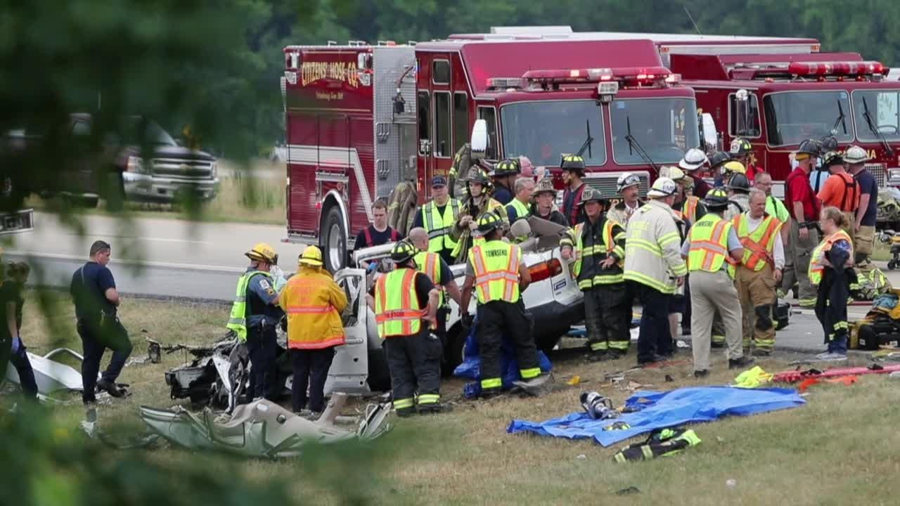 Raw video: Multiple-fatality crash on Del  1