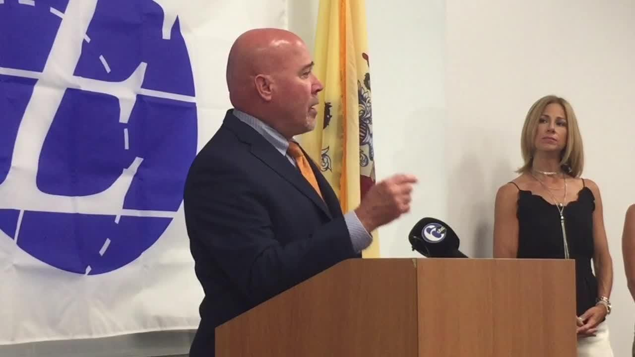 MacArthur talks about package of opioid bills