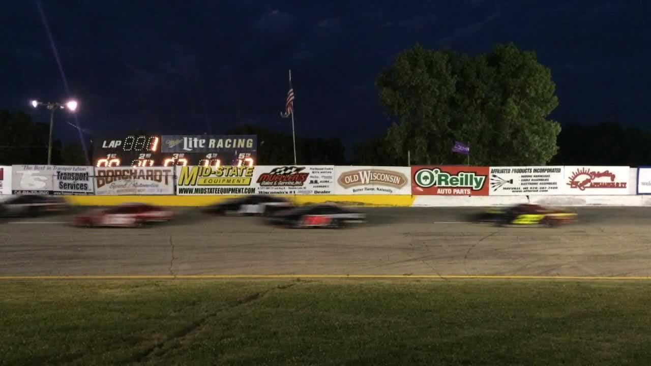 NASCAR prospect and Wisconsin short-track standout Ty Majeski dominated the 39th Slinger Nationals, leading 131 of 200 laps and beating Dennis Prunty.