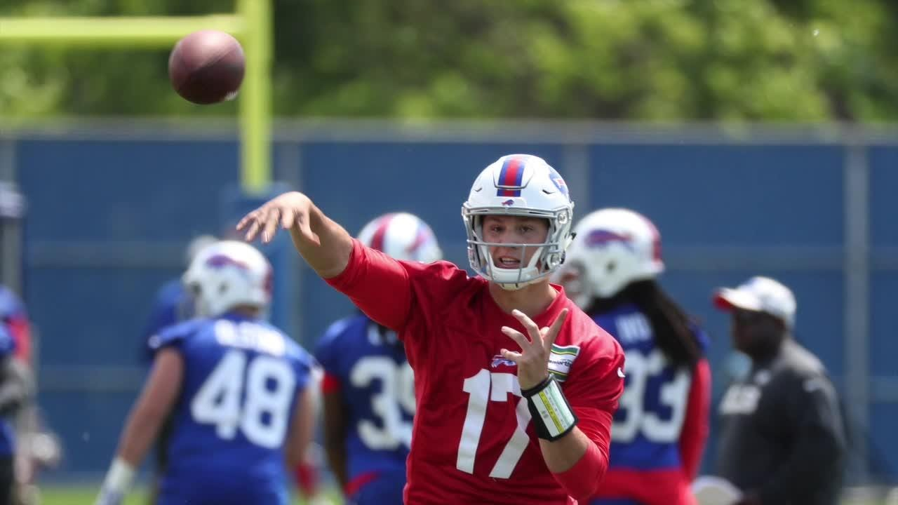 Buffalo Bills beat reporter Sal Maiorana breaks down the quarterback position as the team heads into training camp.