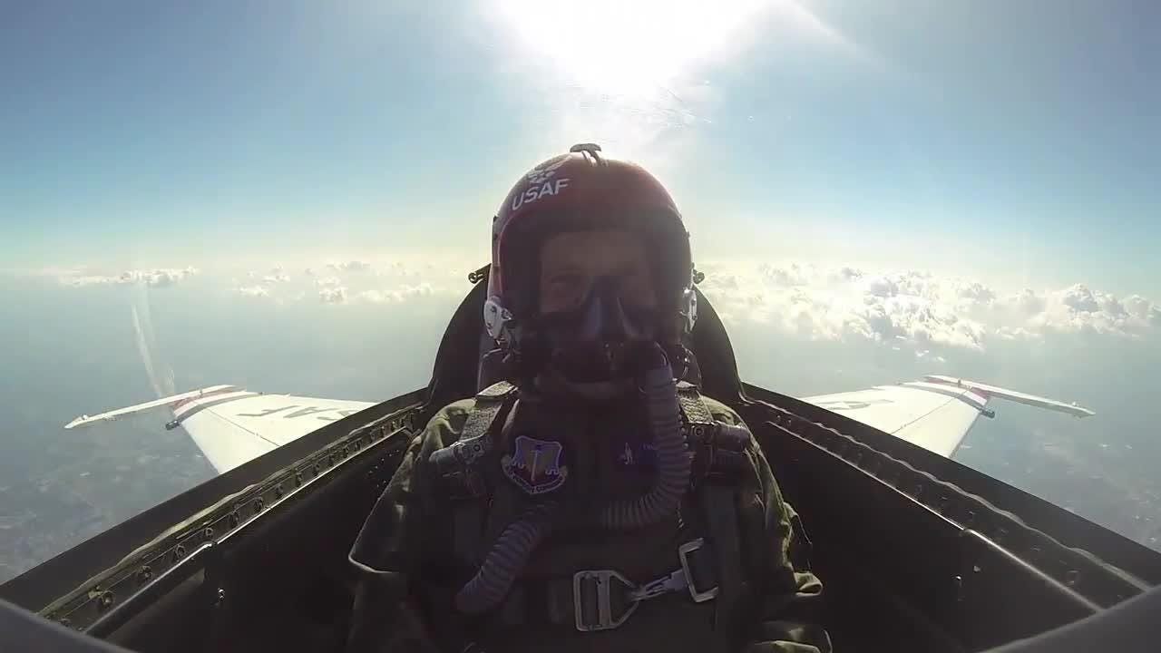 Milwaukee Journal Sentinel photojournalist, Mike De Sisti had the opportunity to take a ride in a F-16 Thunderbird.