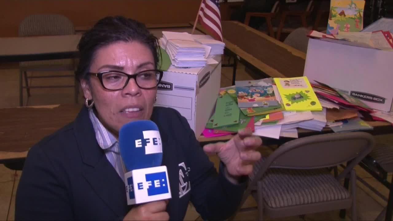 """Jóvenes indocumentados envían cartas de """"esperanza"""" a menores detenidos por Trump"""