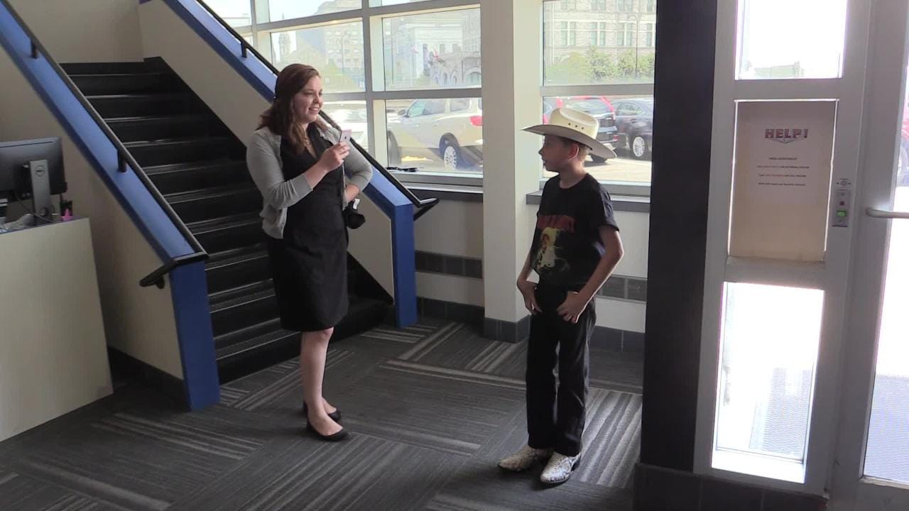 Mason Ramsey, the Yodeling Kid, stops by the Tennessean to surprise Tennessean reporter and fan Natalie Allison with a signed t-shirt. Ramsey will be appearing on GMA on July 26.
