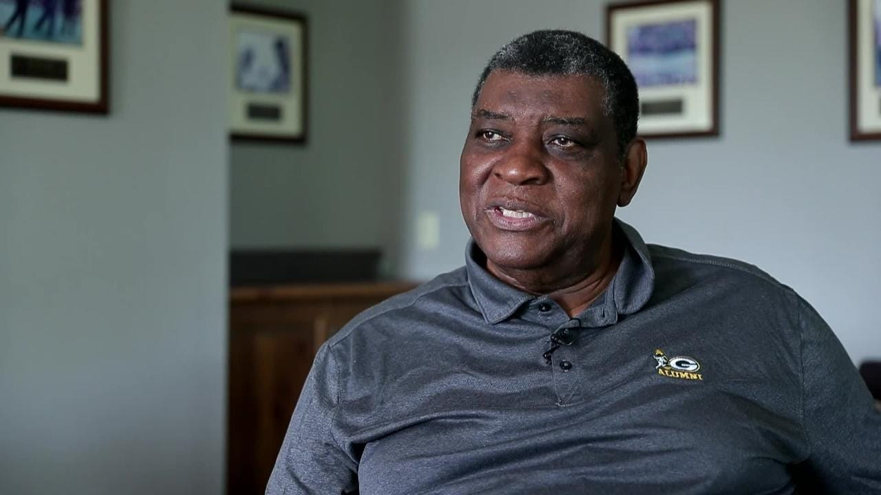 Former Green Bay Packers linebacker Dave Robinson recalls discrimination when looking for housing in the 1960s.