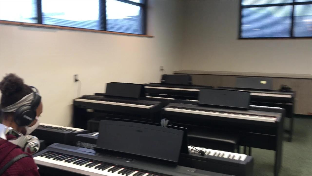 New piano lab at Warrington Middle is first in county.