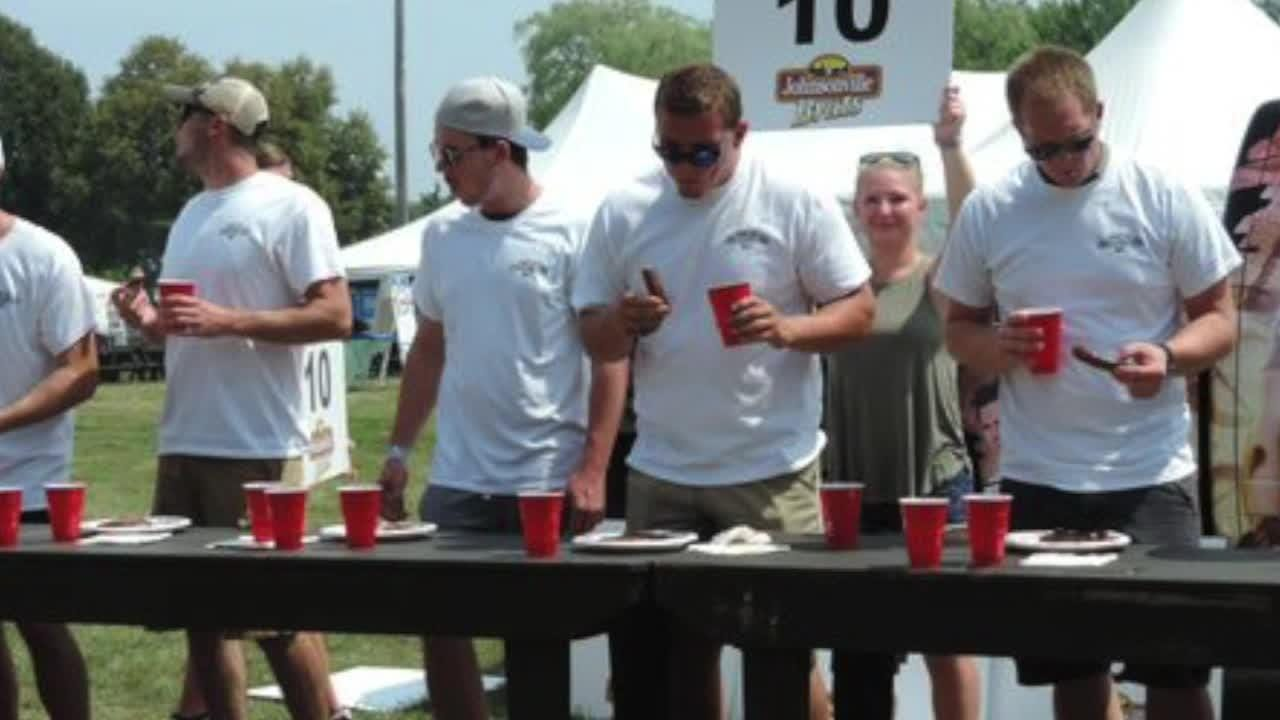 2018 brat eating contest champion Blaize Koon talks about how he does it.