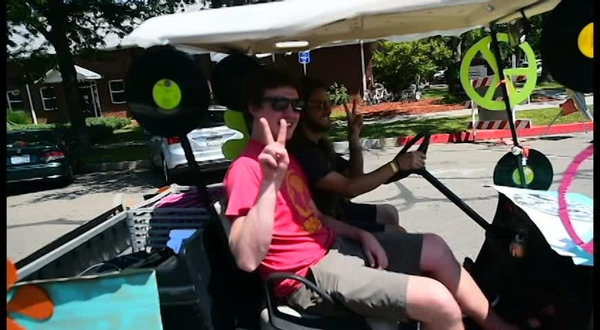 Coloradoan reporter Erin Udell makes tough decisions judging the creativity and design of NewWestFest golf carts
