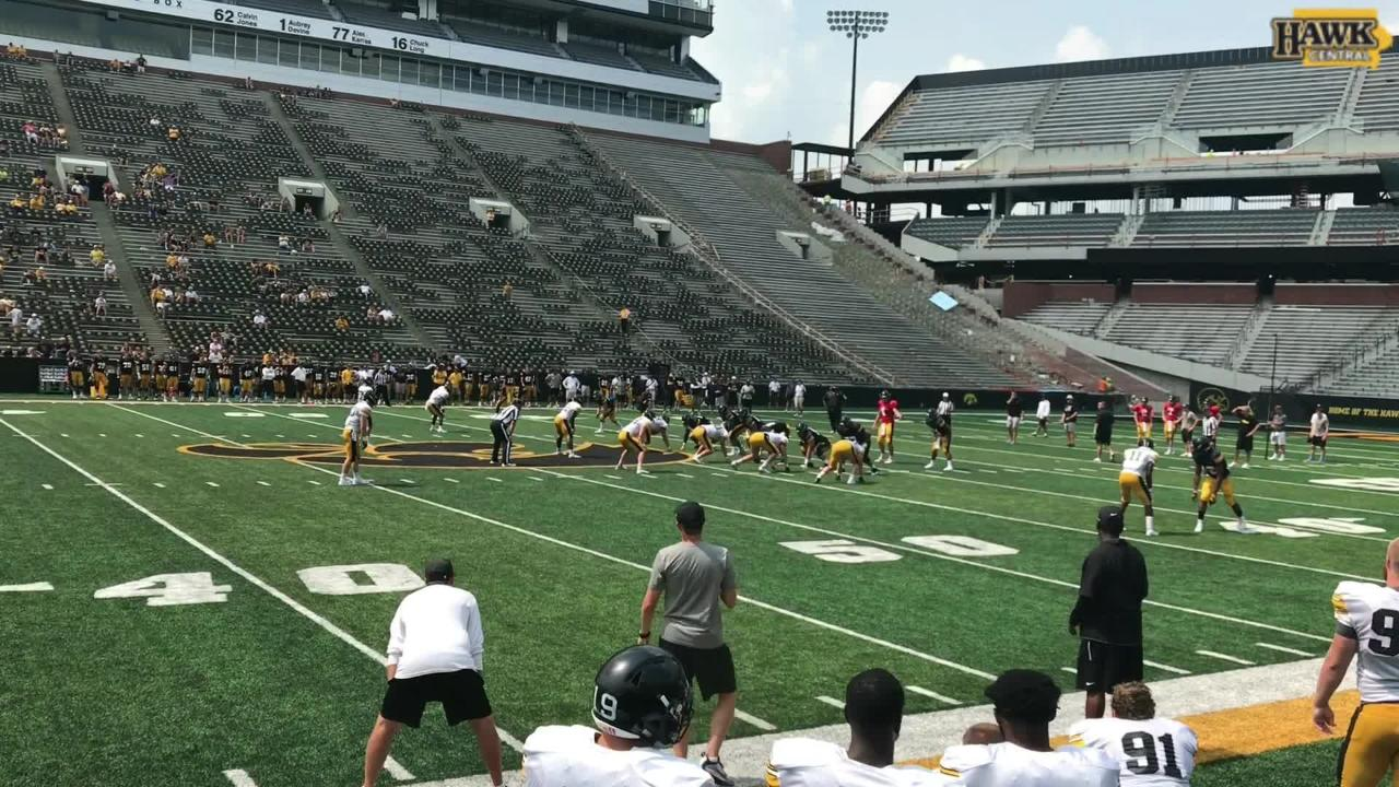 Hawkeyes' No. 1 defense gets off the field in 2-minute drill