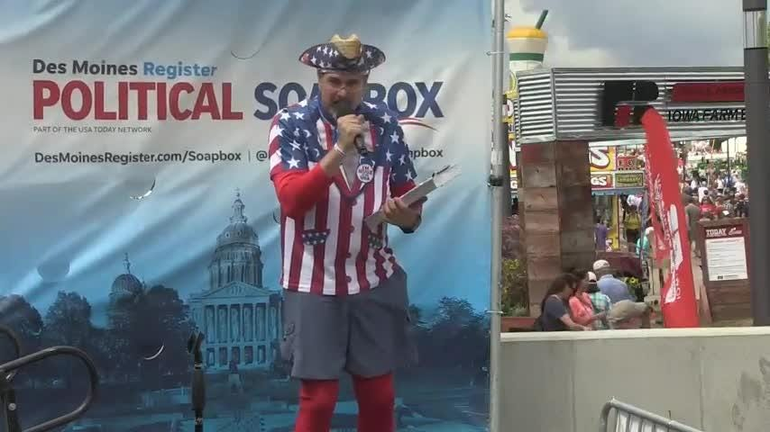 Libertarian Brian Jack Holder speaks at the Des Moines Register Political Soapbox at the Iowa State Fair