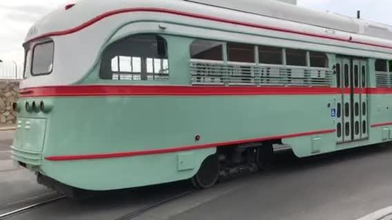 Streetcar 1506 being tested on El Paso streets