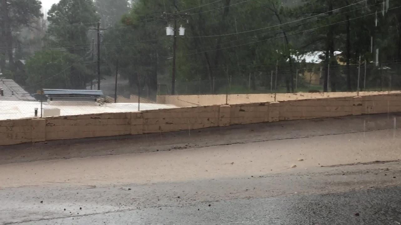 Thunderstorm and lighting disrupt power to Ruidoso for about 15 minutes Wednesday