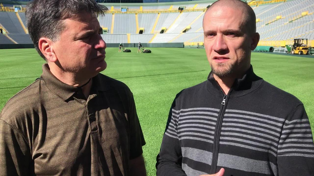 Beat writers Tom Silverstein, Jim Owczarski discuss the Packers' overall health and Mike Pettine's defensive schemes.