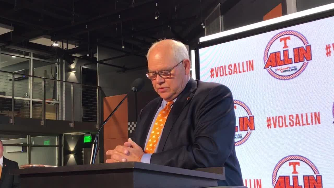 Fulmer highlights Vols fundraiser that will benefit Alzheimer's research